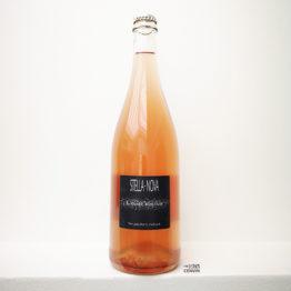 présentation de l'année bulleuse pet nat rosé de stella nova