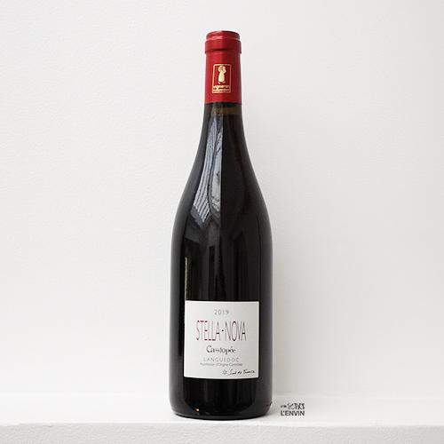 Bouteille de vin rouge Cassiopée 2020, du vigneron philippe richy du domaine en biodynamie stella nova en Languedoc, distribué par l'envin agent en vins bio et nature sur paris ile de france loiret export agency