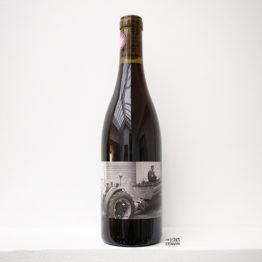 Bouteille du vin rouge soleil le vent 2020 du domaine des lampyres du vigneron François Xavier Dauré dans le Roussillon et distribué par l'agence l'envin sur paris ile de France loiret export
