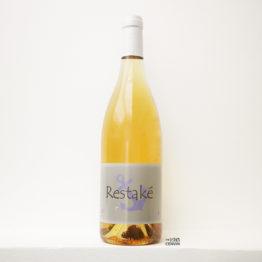 Bouteille de vin blanc nature Restake 2020 du domaine Yoyo dans le Roussillon distribué par l'agent en vins bio et naturels L'Envin sur paris, ile-de-france et loiret et export