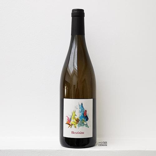 bouteille de vin blanc de chenin et chardonnay Bestiaire 2019 du domaine Perrrault-Jadaud dans la Loire et distribué par l'agence de vins bio et nature l'envin sur paris ile de france loiret export