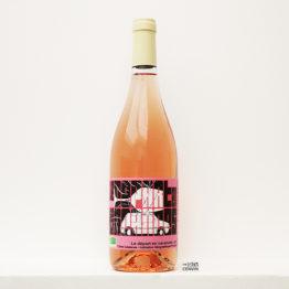 bouteille de Départ en vacances rosé 2020, un vin biologique du vigneron Carlos Badia de La Cave aux fioles dans le Roussillon et distribué par l'agence L'envin grossite en vins bio et nature sur paris ile de france loiret export