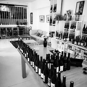 local l'envin où se tiennent les dégustations de vin bi et nature pour les professionnels et les particuliers sur paris 11ème arrondissement