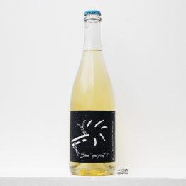 bouteille de pet-nat sauv' qui peut 2020 à base de sauvignon rose et orbois du domaine la pensée filante en loire distribué par l'agent l'envin sur paris, ile de france et loiret export
